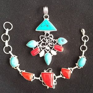 Nice Pendant with matching Bracelet